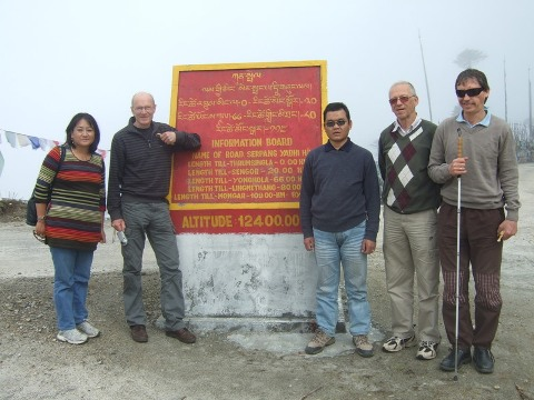 [Photo: Tshering, Pema, Nils, Einar and Magne at the highest point in the journey]