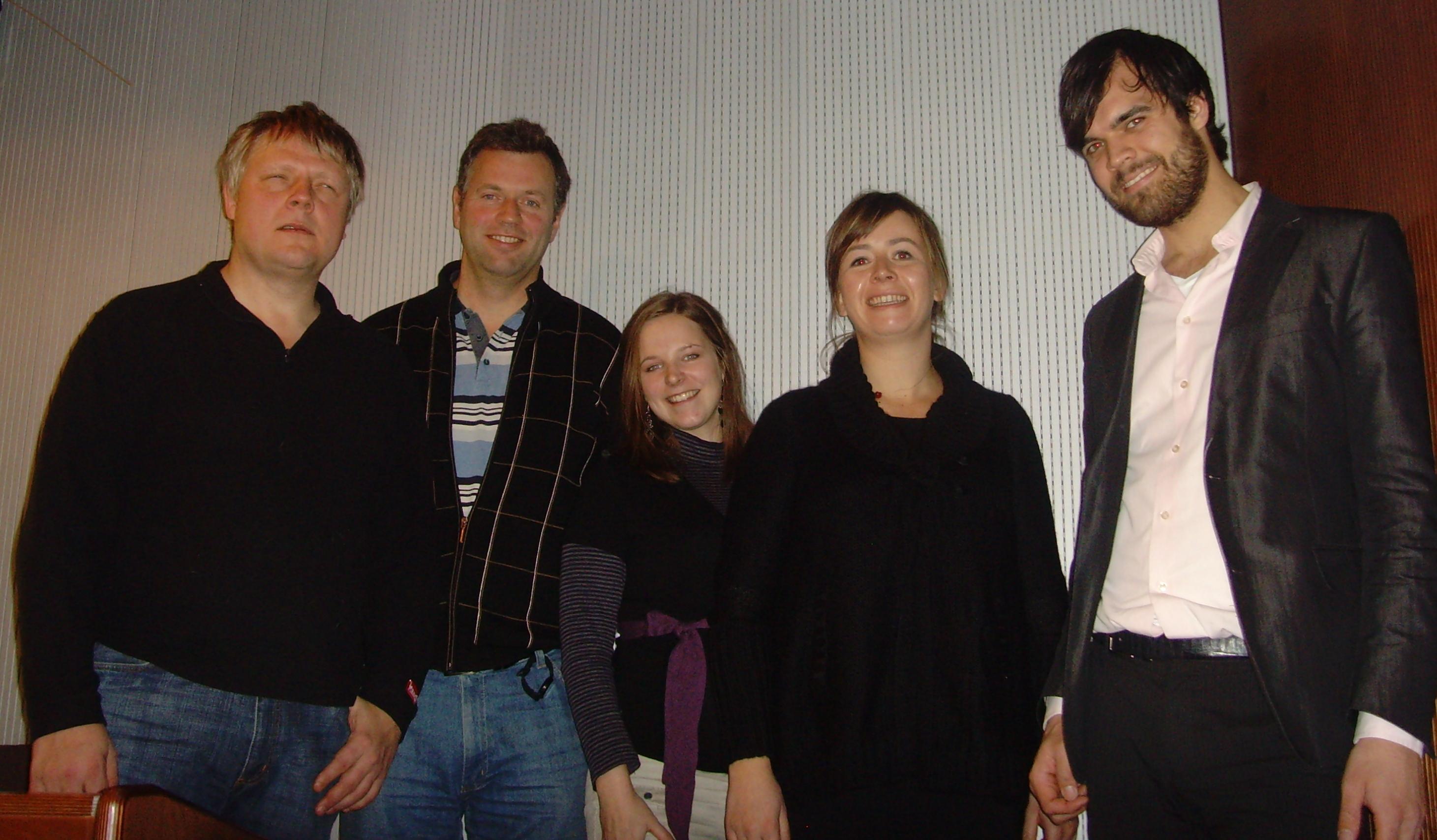 [Bilde: Viser Morten Tollefsen (MediaLT), Knut Kvale (Telenor), Miriam Nes Begnum (MediaLT), Heidi Arnesen Austlid (FriProgsenteret) og Jørund Leknes (FAD)]